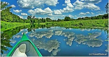 Wędrówki po Polsce – spływ rzeką Wkra