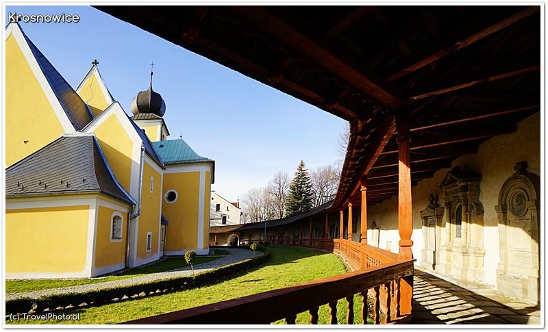 Krosnowice - kościół św. Jakuba, widok z krużganków