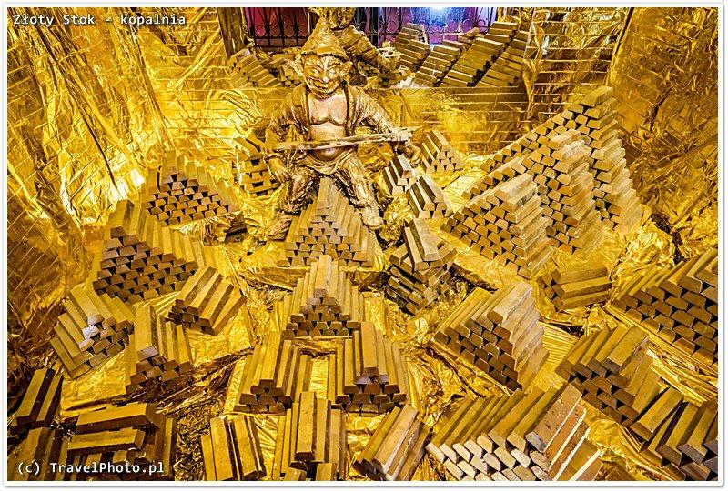 ...produktu fimalnego - sztab złota. Skarbiec w Kopalni Złota.