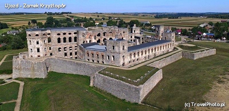 Ujazd - Zamek Krzyżtopór - najlepiej widać bryłę zamku z góry