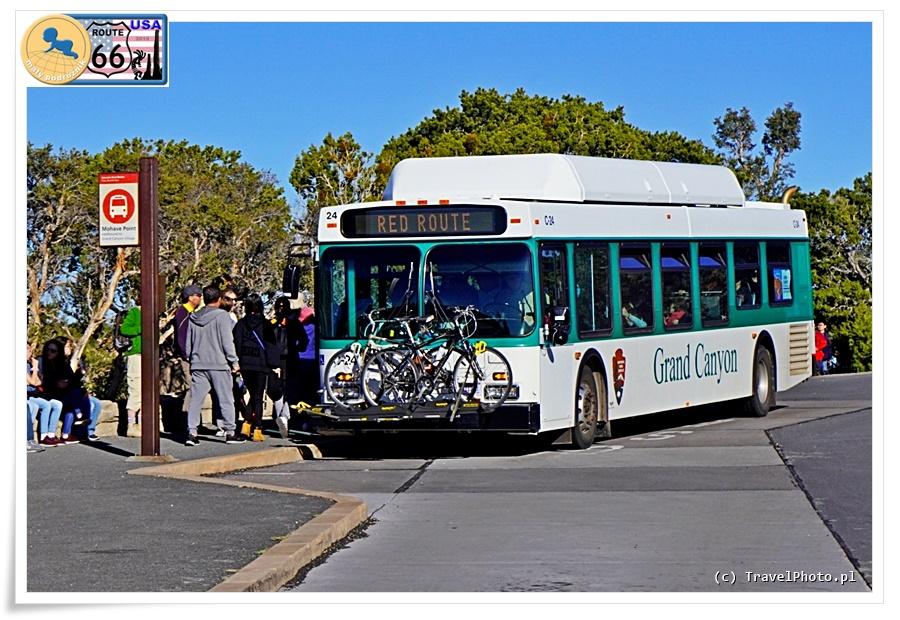 Autobusy w Parku Narodowym Grand Canyon.