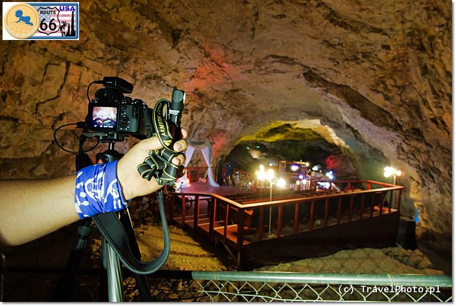Latarka ARMYTEK Wizard PRO - zdjęcia w Grand Canyon Caverns robiliśmy podświetlając pieczary naszymi latarkami.